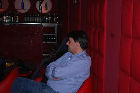 Miguel Francia en Video Clip Gente de Juan Losada Grabado en La Posada de las Animas